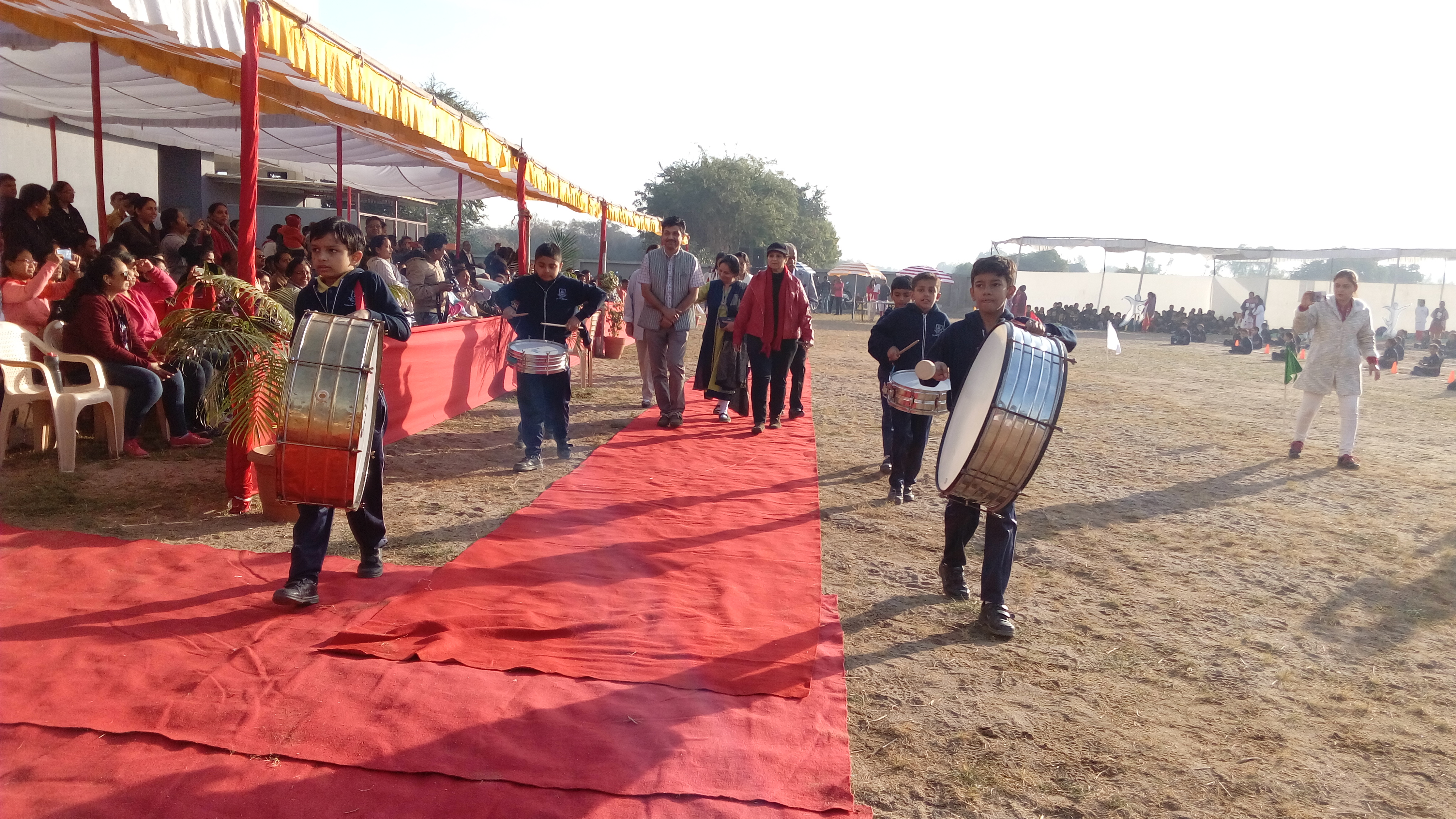 Chief guest (2)